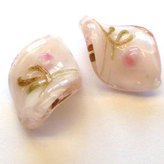 Chinese lampwork twist, pale pink with pink and gold flower