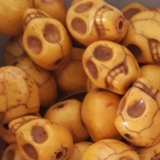 Howlite Skull: Small - Antiqued Yellow