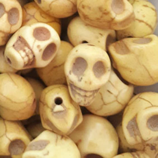 Howlite Skull: Small - Light Yellow