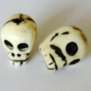 Bone Bead: Black&White skull 16mm x 11mm