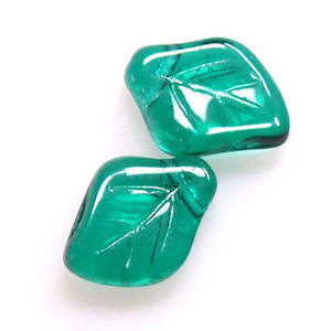 Curved Leaf, 9mm x 11mm - Emerald