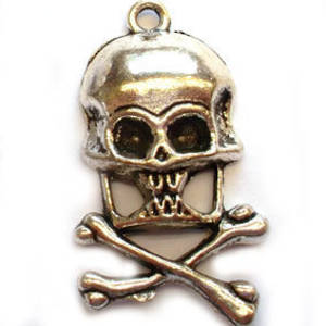 Metal Charm: Large skull and crossbones - antique silver