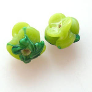 NEW! Lampwork Bud Flower, 12mm - Lime