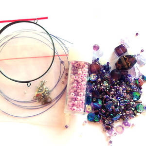 Youth Bead and Finding Pack: Purple with lilac feature seeds