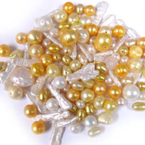 NEW! FRESHWATER PEARL MIX: Daisy