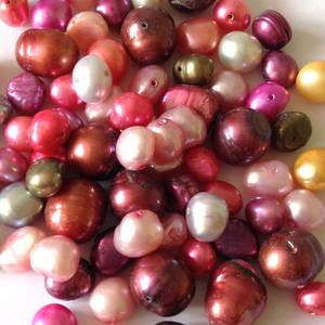 FRESHWATER PEARL MIX: Hots and Brights - mainly pinks JUST 2 LEFT!