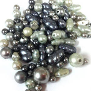 NEW! Glass Pearl Mix: Greys