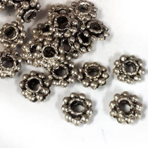 Metal spacer: 7mm flower (2mm thick) - antique silver