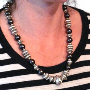 KIT: Elegant Necklace, silver and dk grey