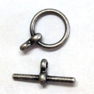 Toggle, plain with figure 8 loops - antique silver